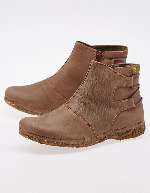 7c0efeefe728 El Naturalista Schuhe zum Wohlfühlen   sicher kaufen   Deerberg