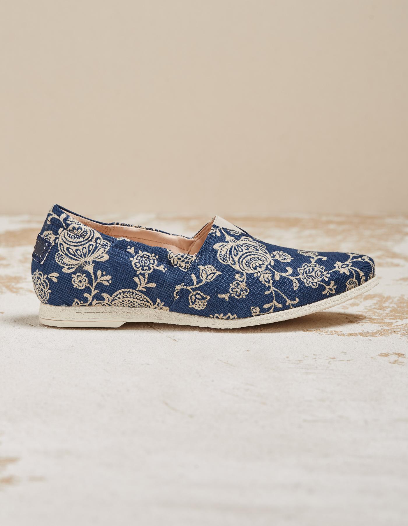 sneakers for cheap 59818 d77fc Damenschuhe Größe 43 - leben auf großem Fuß - Deerberg Blog