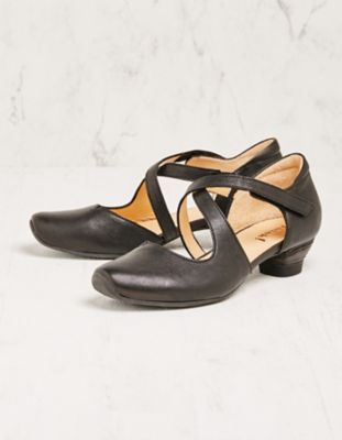 Think Pumps Telena schwarz