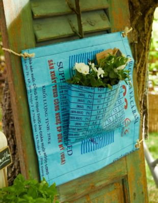 Bead Bags Blumenaufhänger Svana blau